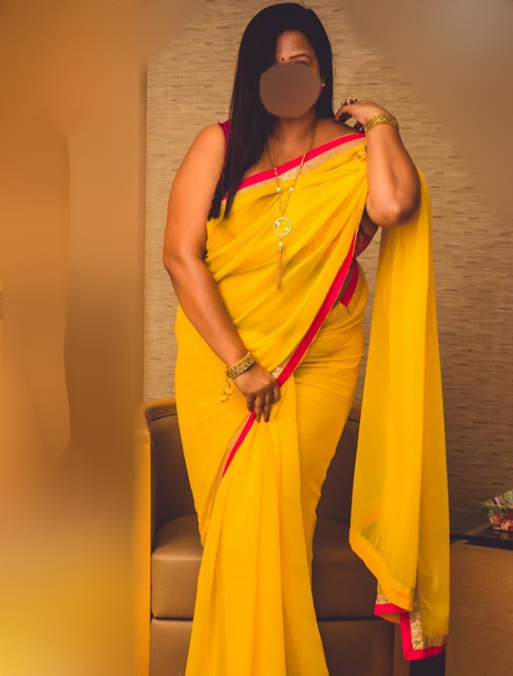 Indian Cam show Aunty